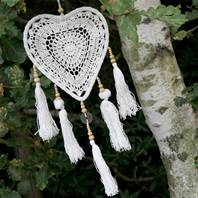 Dreamcatcher crochet heart 22cm