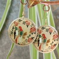 Earrings gold coloured with parrots