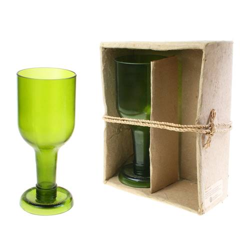Pack of 2 wine glasses, recycled glass bottles, green