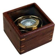 Ship's Compass, brass in wooden box,11x11x7cm