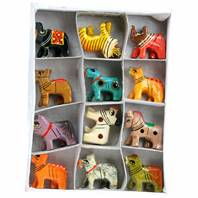 Painted wooden animals, assorted 4cm