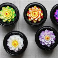 Soap box tropical flowers 6 assorted, 1 supplied