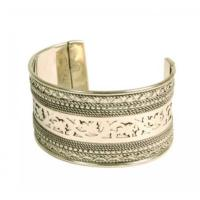 Metal decorative silver coloured bangle